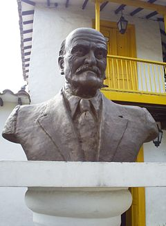 20080119183708-240px-tomas-carrasquilla-busto-medellin-1-.jpg