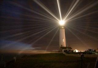 20080613134957-faro-iluminando.jpg