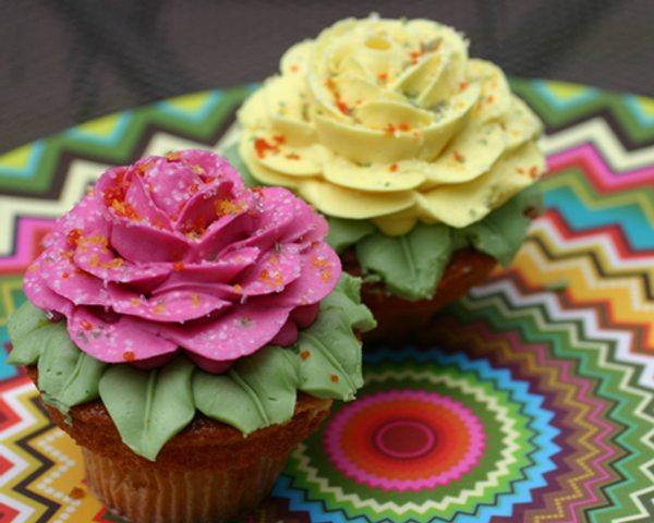 20100623210505-cupcakes-pasteles-flores-y-color-1.jpg